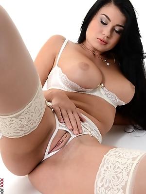 Lucy Li - Solo